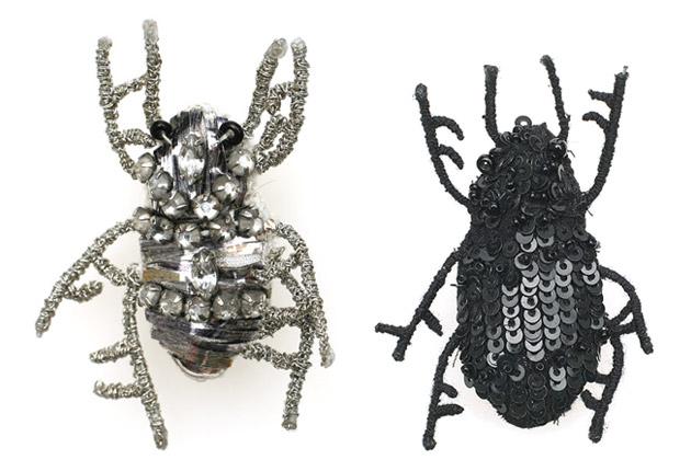 ann-demeulemeester-beetle-broche